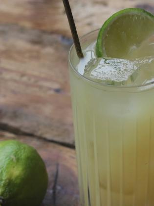 Ménage à trois cocktail on a wooden table